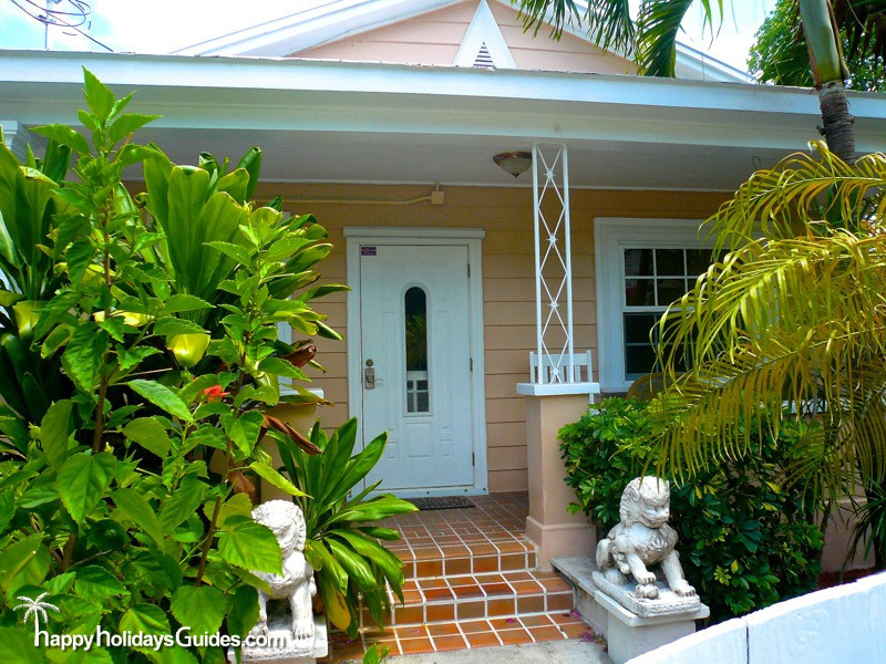 Key West Style Homes Foo Dogs